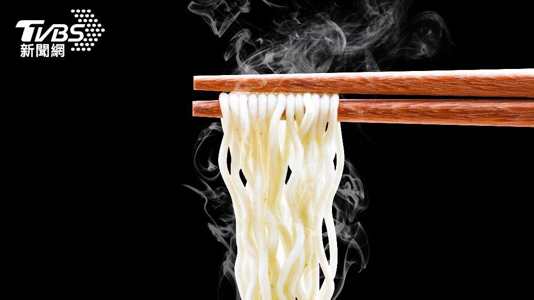 營養師表示,若吃錯麵條恐造成身材走鐘。(示意圖/shutterstock達志影像) 麵條粗細影響減肥? 營養師教「瘦身吃麵」技巧