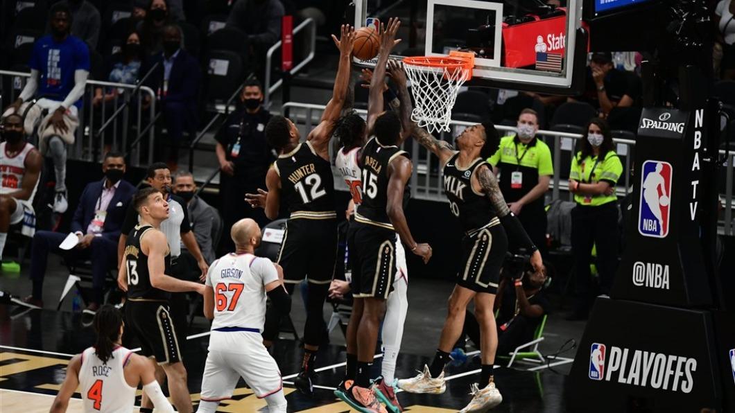NBA亞特蘭大老鷹30日在季後賽首輪第4戰中,以113比96擊退紐約尼克。(圖/翻攝自Atlanta Hawks Twitter) NBA老鷹113比96擊退尼克  取得季後賽首輪聽牌
