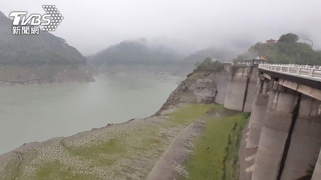 桃園降雨,石門水庫進帳。(圖/中央社) 石門水庫估進帳1800萬噸 增桃園14天半用水量