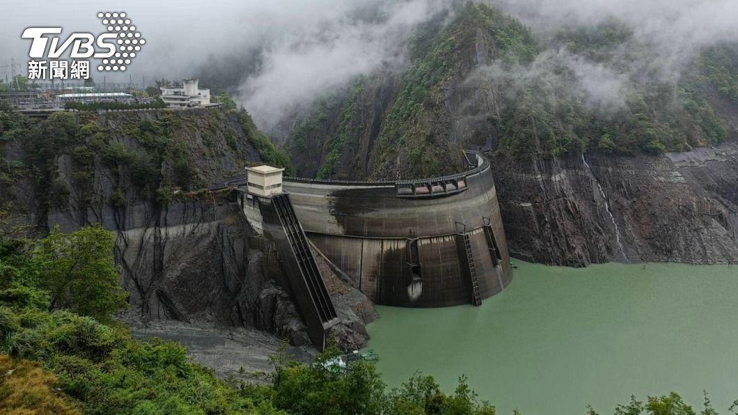 德基水庫8日蓄水量未明顯增加。(圖/中央社) 雨未下在集水區 德基水庫8日僅增台中1天半用水