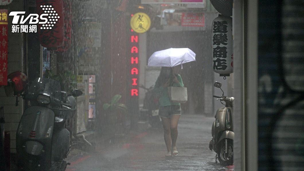 中央氣象局曝下波鋒面來襲時間。(圖/中央社) 雨神解旱!下波鋒面時間曝 估在「南部上空徘徊」