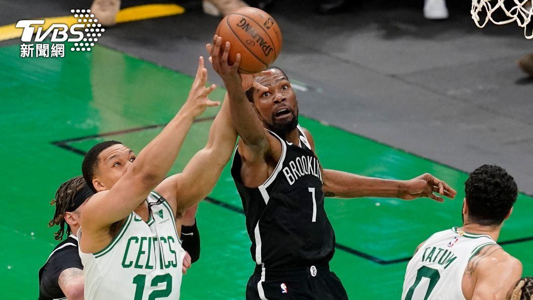 (圖/達志影像美聯社) NBA籃網三巨頭發威 擒服塞爾蒂克聽牌