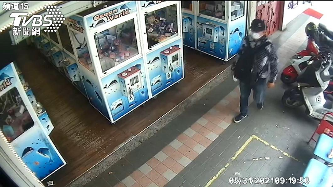 圖/TVBS資料畫面 披薩大盜20年後重出江湖 變裝擦指紋仍遭逮贓款剩4萬