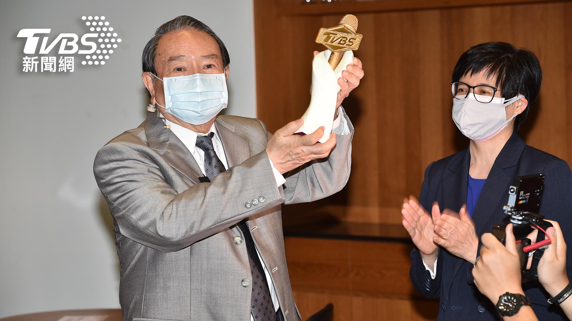 圖/TVBS提供 台灣社會最安定的力量  氣象先生任立渝光榮退休