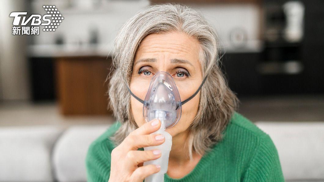 醫生提醒,4種人容易有快樂缺氧的危機,其中包含65歲以上長者。(示意圖/shutterstock 達志影像) 無症狀卻快樂缺氧猝死 醫提醒「這4種人」要注意血氧