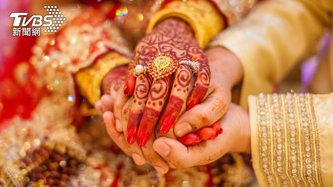 印度日前一場婚禮新娘突在婚禮進行中猝死。(示意圖/shutterstock達志影像) 印度婚禮進行到一半新娘突猝死 新郎當場「改娶她妹妹」