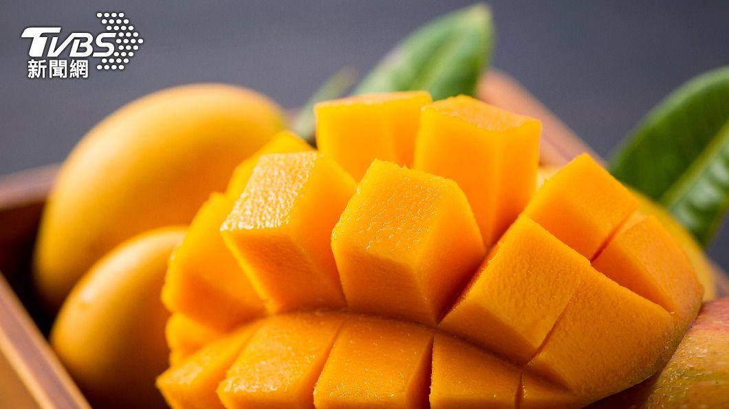 芒果營養豐富,果肉纖維粗又能增強胃腸蠕動。(示意圖/shutterstock達志影像) 芒果正著時「4種人注意」 吃多恐加重發炎、過敏性休克
