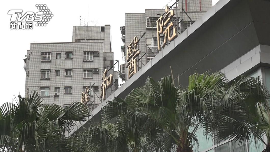 新北市雙和醫院爆發院內感染。(圖/TVBS資料畫面) 新北雙和醫院爆院內感染 侯友宜:完全在掌控中