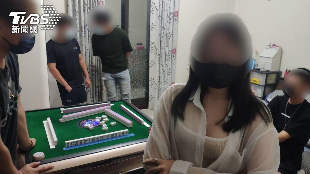 (圖/中央社) 疫情下群聚打麻將 台南永康查獲2場10人將開罰
