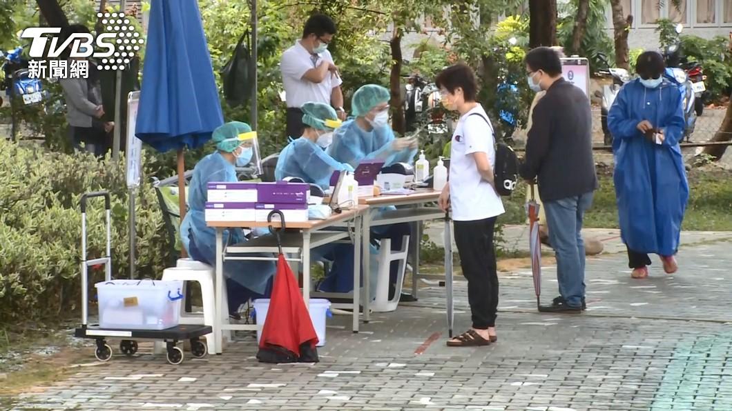 台灣新冠肺炎本土疫情延燒。(圖/TVBS) 614將至!三級防疫延長與否 中央、地方這樣說
