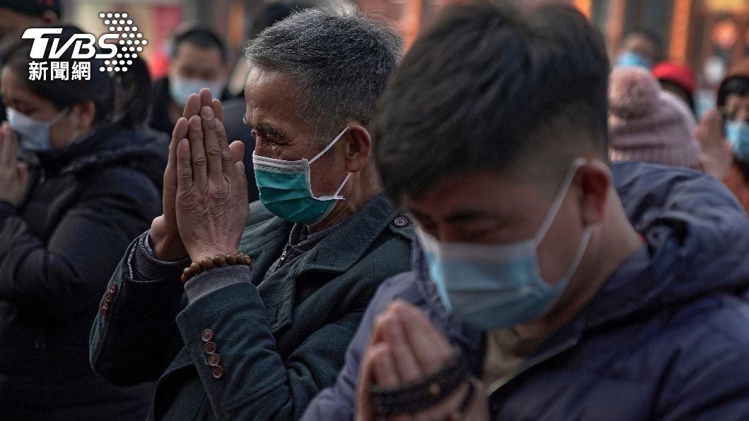 越南疫情擴大,國內僅1%的疫苗接種率。(圖/達志影像美聯社) 越南疫情不樂觀 日本擬6月中運送疫苗支援