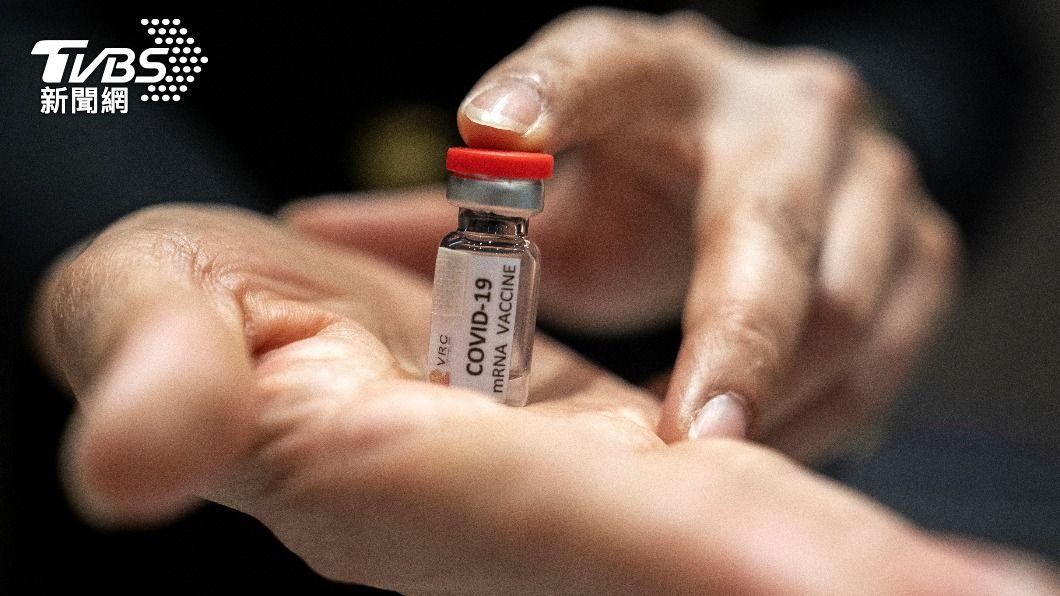 美國的專家委員會認為癌症病人應「優先」接種疫苗。(示意圖/達志影像路透社) 癌症病人可打疫苗? 美專家:應「優先」接種