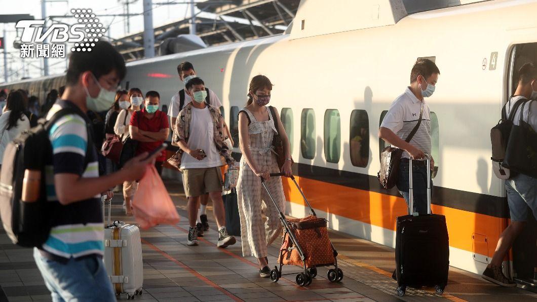 高鐵端午連假平均乘載率已降到5.7%,尖峰時段各車次乘載率也低於20%。(圖/中央社) 高鐵端午僅開464班次 載客率降至5.7%