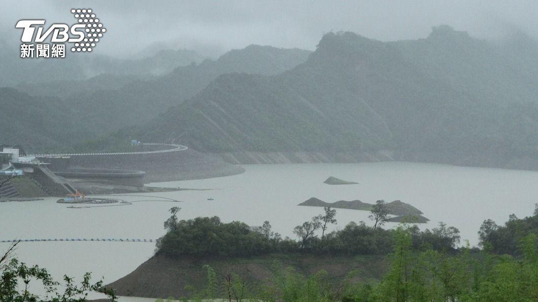 南化水庫水位上升。(圖/中央社) 水庫進帳2.1億噸解旱 中部等橙燈區寄望下波降雨