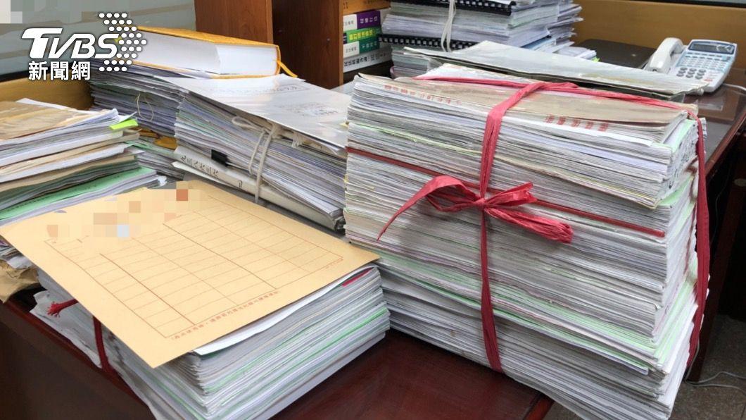 因疫情影響各地司法機關文書累積。(示意圖/TVBS資料照) 無外網連線居家辦公 劍青改籲法務部:加速部署資安對策