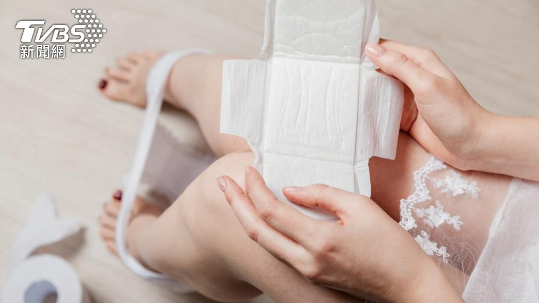 每位女性月事來時都一定會使用衛生棉。(示意圖/shutterstock達志影像) 女月事來要換衛生棉 拆開驚見「藏針頭」嚇呆