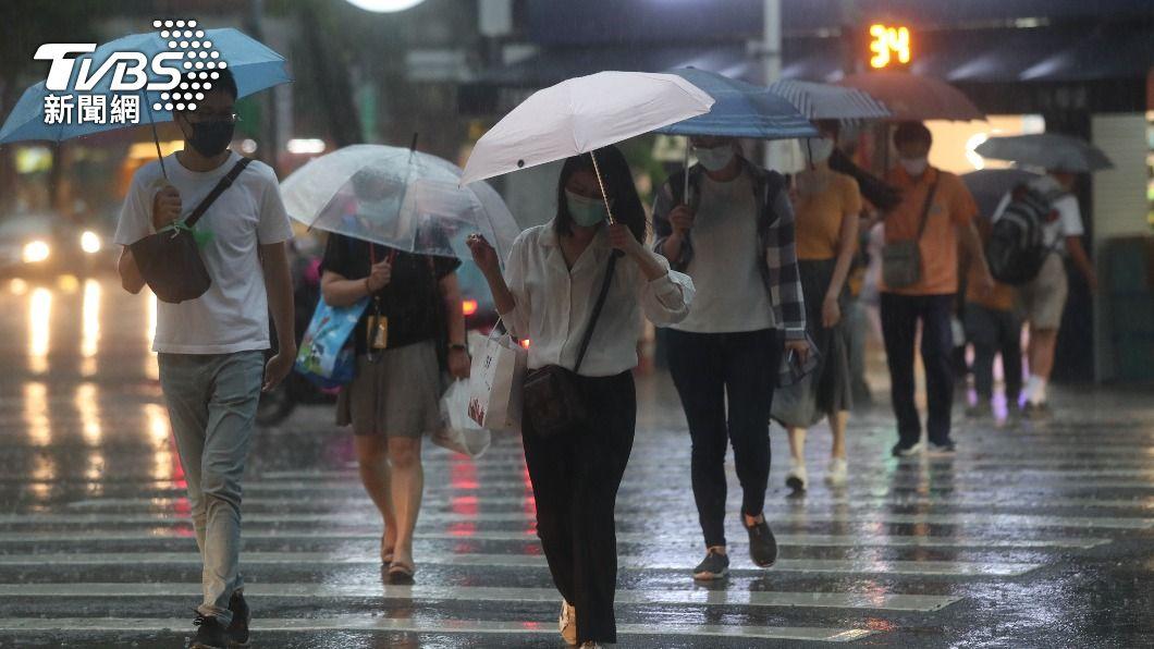(圖/中央社) 各地雨勢轉短暫局部 仍留意隨機對流降雨