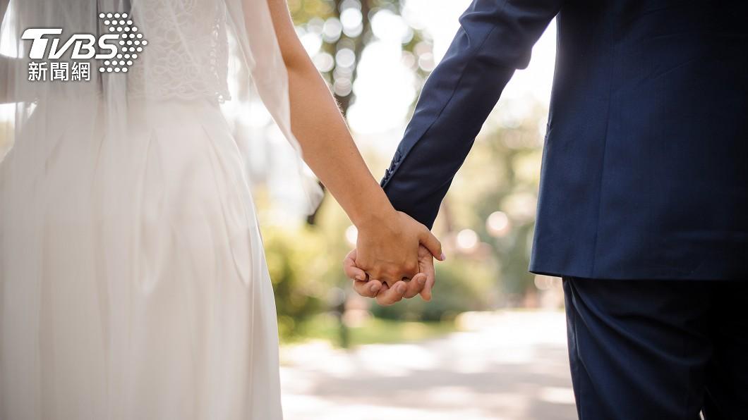 結婚對於所有男女來說都是人生一件重要大事。(示意圖/shutterstock達志影像) 老翁娶嫩妻「結婚37次」 三代同堂多達189人