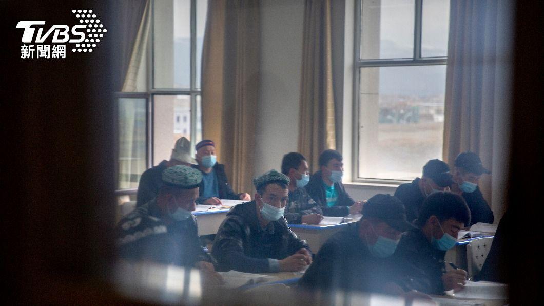 大陸政府稱新疆集中營為「對抗極端主義的職業培訓中心」。(圖/達志影像美聯社) 國際特赦組織:大陸鎮壓新疆少數民族犯「危害人類罪」