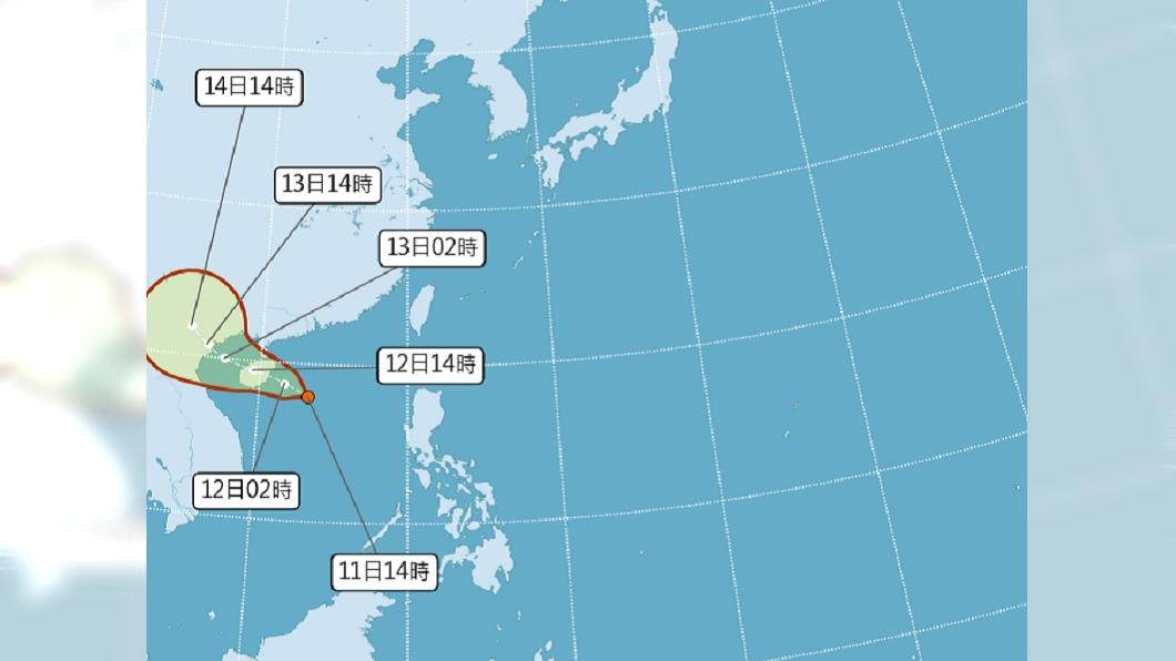 有一熱帶性低氣壓生成。(圖/中央氣象局) 第4號颱風「小熊恐生成」路徑曝 一圖秒懂端午連假天氣