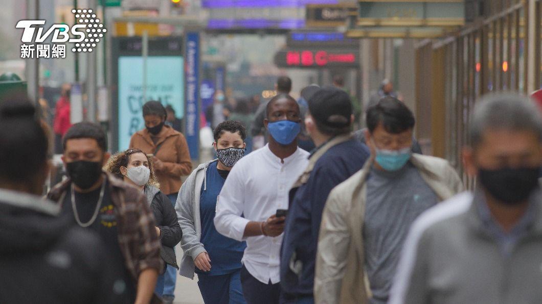 專家表示,美國可能藏有大量新冠死亡病例未被紀錄。(示意圖/shutterstock達志影像) 台灣新冠死亡率3.3%全球第30名 超越美國1.8%