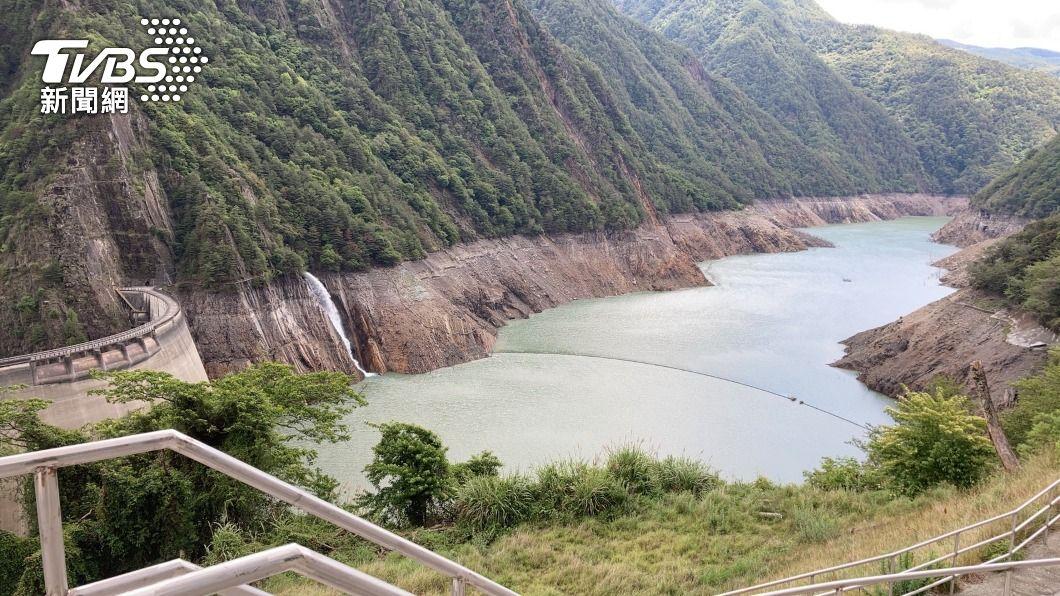 德基水庫水位持續上升。(圖/中央社) 德基水庫蓄水率突破20% 恢復取水發電水位