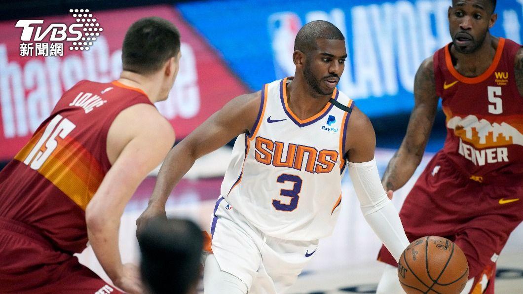 保羅轟37分帶領NBA太陽晉級西區決賽。(圖/達志影像美聯社) 金塊約基奇惡意犯規遭驅逐 太陽4連勝晉西區決賽