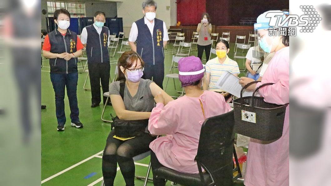 (圖/中央社) 台中宇美町式接種法 64處快打站15日為長輩服務