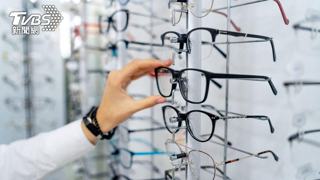 (示意圖/shutterstock 達志影像) 眼鏡行員工打疫苗惹議 高市府:驗光師屬一類醫護