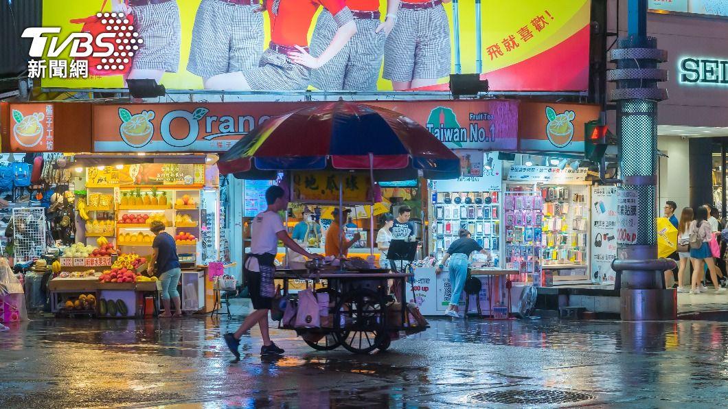 下週將再出現梅雨滯留鋒。(示意圖/shutterstock 達志影像) 再一波梅雨攻台!「威力不輸前2波」徘徊5天時間點曝