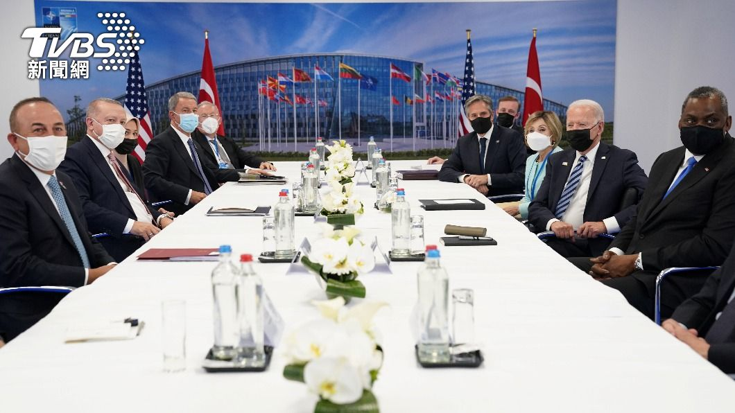土總統艾爾段與美總統拜登會面。(圖/達志影像路透社) 艾爾段、拜登會談45分鐘 麻煩事還是麻煩事