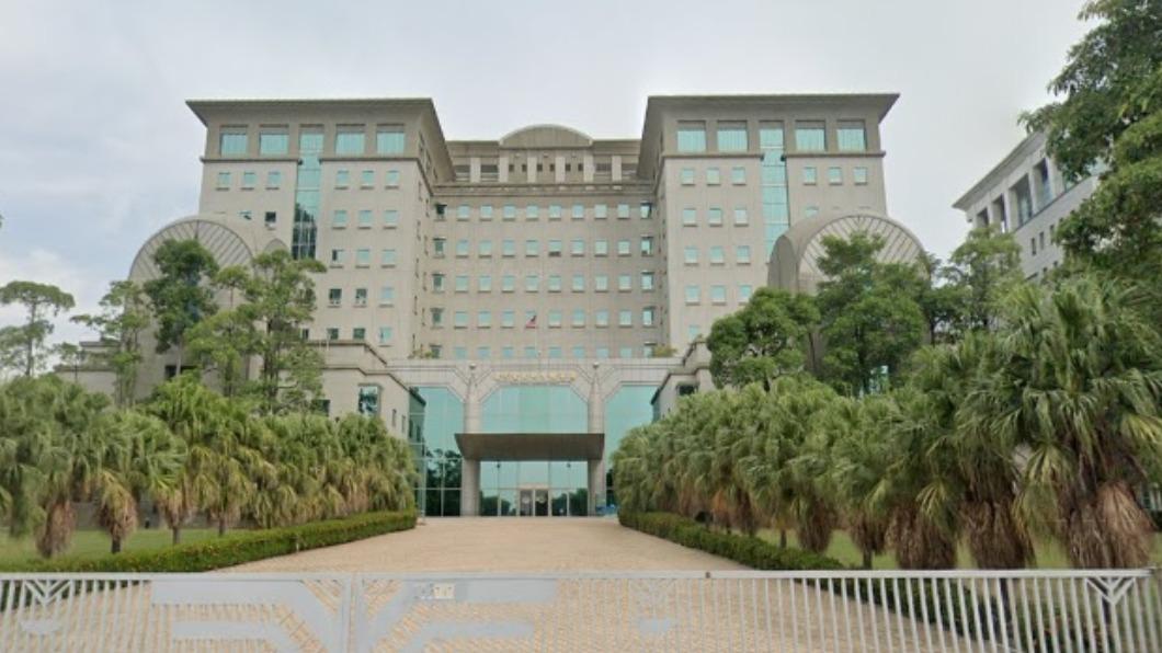 台南地檢署。(圖/翻攝自Google map) 台南檢察長爆偷打疫苗 檢察官控她「暗中混入注射名單」