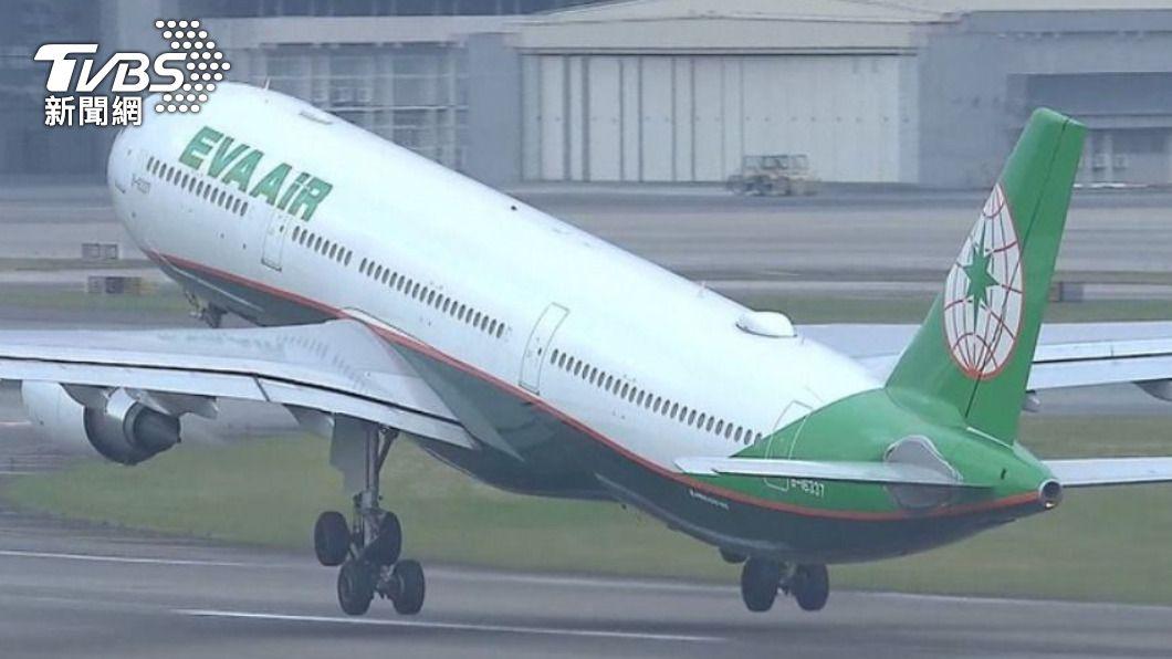 指揮中心日前宣布加強對國籍航空機組員的檢疫措施。(圖/TVBS) 新增1例境外移入 30餘歲印度籍船員出境前採檢確診