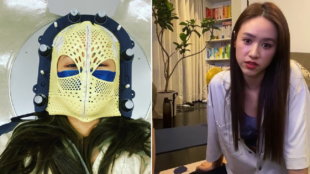 筱蕾(左)在吳姍儒(右)直播中,自嘲手術戴得的具像蜘蛛人,樂觀對抗病魔。(圖/翻攝自筱蕾(陳筱蕾)臉書、吳姍儒IG) 腫瘤復發「腦幹變形」!吳姍儒曝女星病況:無法走直線