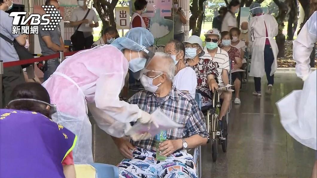 示意圖/TVBS(非當事新聞畫面) 快訊/嘉義市再添2例! 長者疑似施打疫苗不適猝死