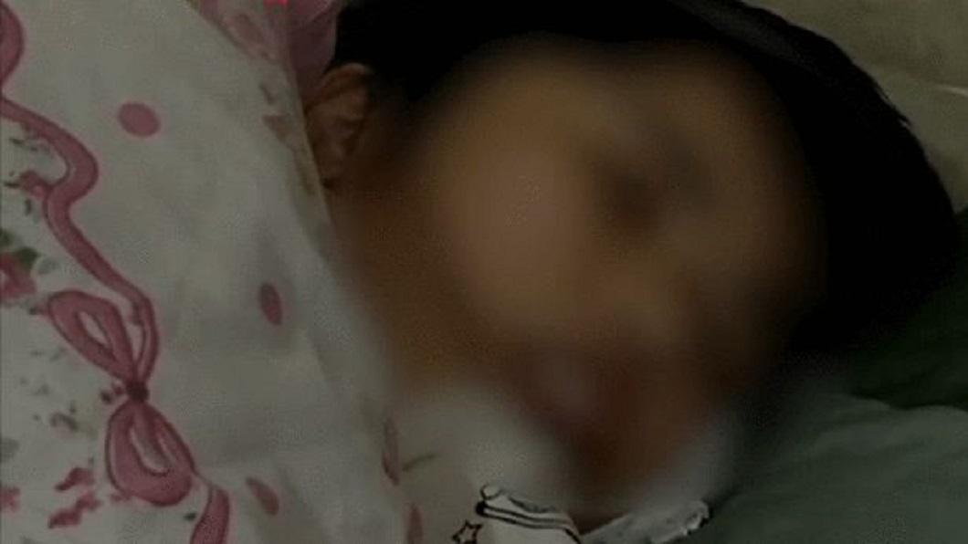 大陸一名人妻懷第三胎時不慎發生車禍整個癱瘓在床。(圖/翻攝自微博) 懷第3胎遇車禍 陸2寶媽癱瘓被離婚尪嫌:妳是累贅
