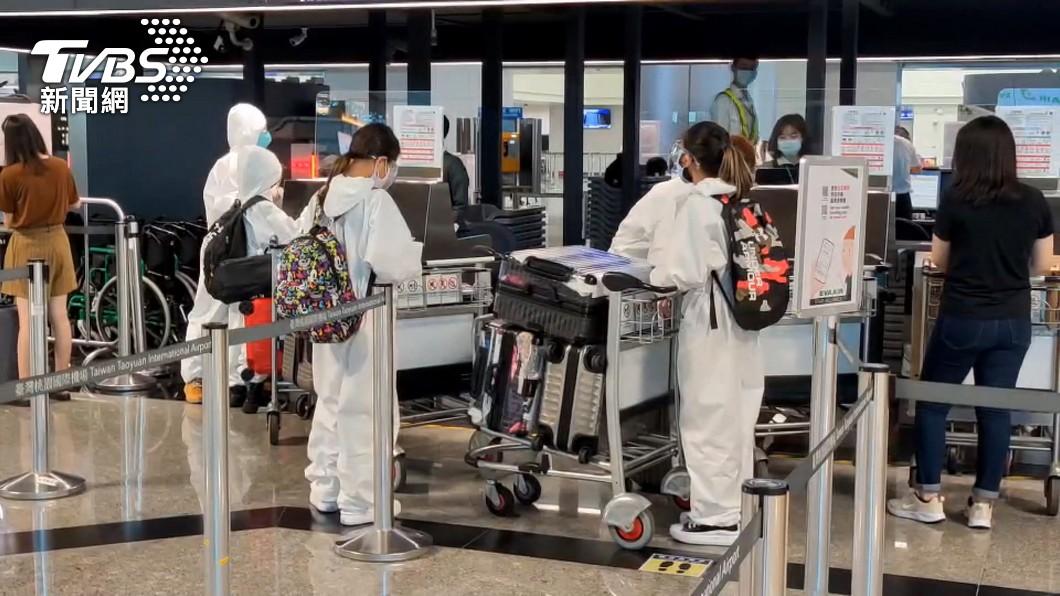 國內一名男子飛往澳門發現感染印度Delta變異病毒。(示意圖/TVBS) 台男飛澳門確診Delta病毒 22接觸者採檢結果出爐
