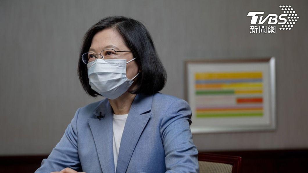 總統蔡英文針對防疫工作發表談話。(圖/總統府提供) 三級警戒延長路上人潮卻變多!蔡英文籲:疫情還沒結束