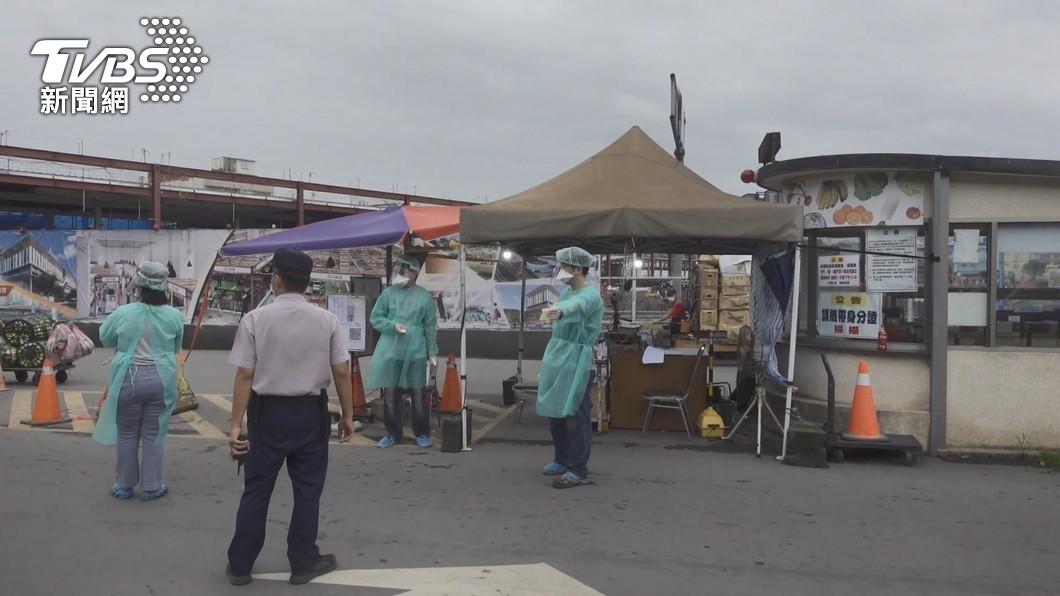 北農爆發群聚感染。(圖/TVBS) 承銷商爆攤位4人僅1人能打疫苗 北農回應了