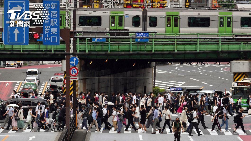 東京解除緊急事態宣言後疫情有回升趨勢。(圖/達志影像 美聯社) 東京解封後疫情回升 感染擴大、確診者增1.08倍