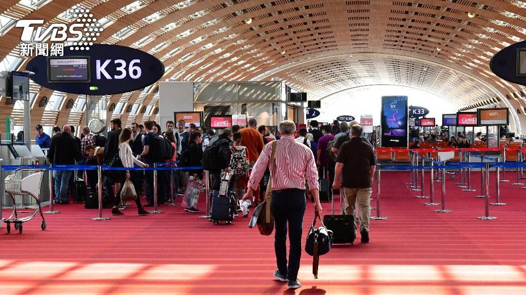 法國戴高樂機場。(示意圖/shutterstock達志影像) 法國把台灣列「邊境開放綠區」 他曝過程這細節好感動
