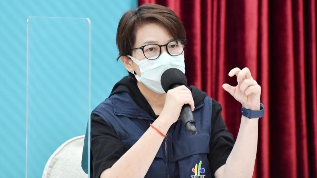 台北市副市長黃珊珊說明個案情形。(圖/北市府提供) 北市個案3天搭8趟次公車 Ct值38「可能是舊案」