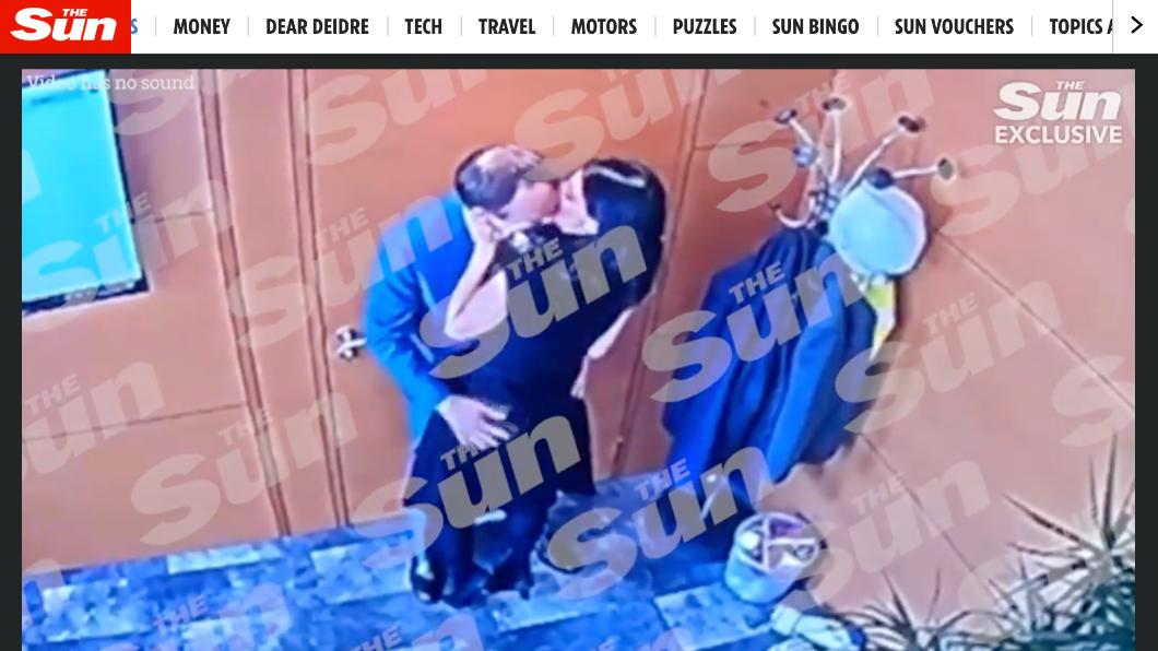 英國《太陽報》(The Sun)獨家爆出衛生大臣漢考克,在辦公室與女職員「違反社交距離」接觸。(圖/翻攝自太陽報官網) 遭爆辦公室熱吻女下屬 英衛生大臣道歉:違反社交距離