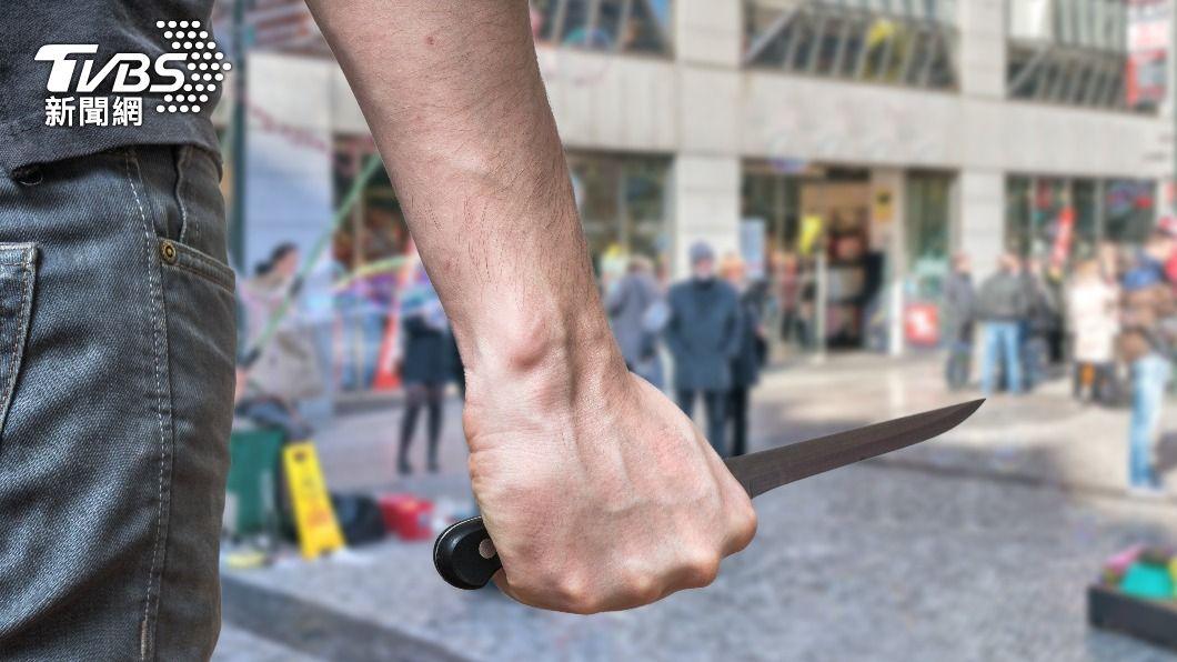德國維爾茨堡傳出持刀攻擊事件。(示意圖/shutterstock達志影像) 德國驚傳持刀攻擊事件!3死5重傷 警民合力制服犯徒