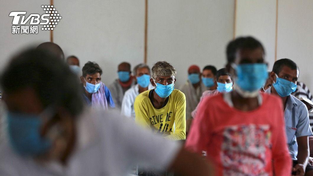 印度開放免費接種疫苗後,接種率大幅提升。(圖/達志影像美聯社) 扯!新冠疫苗變尿道炎抗生素 印度2千多人遭施打假疫苗