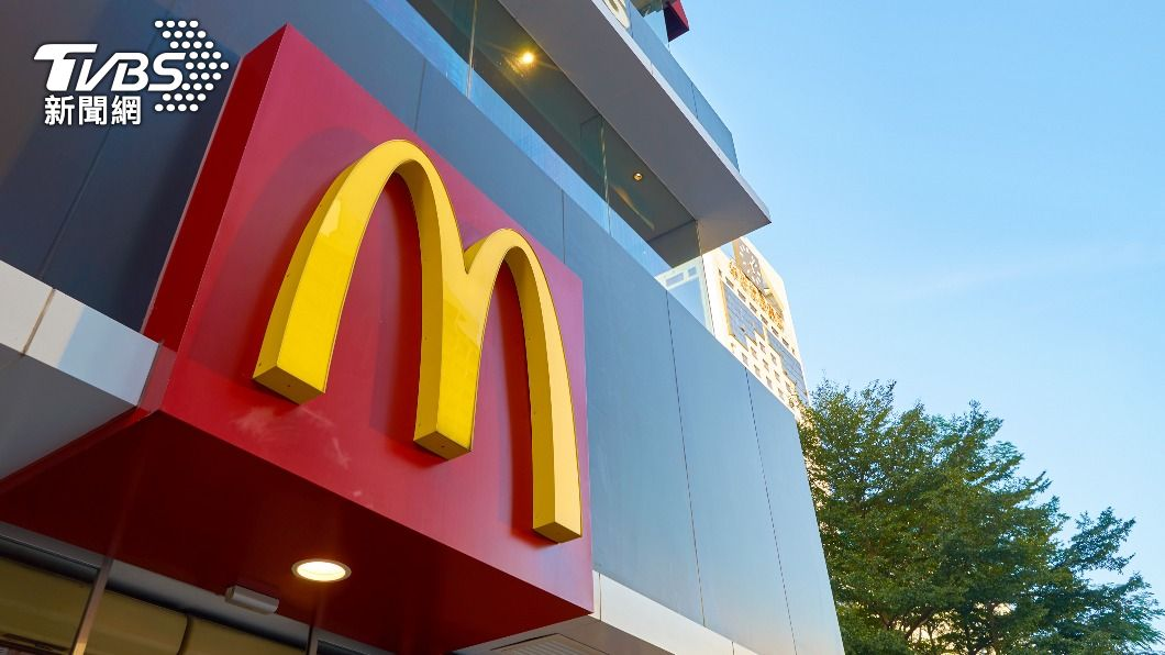 麥當勞薯條被爆出中薯與大薯份量相同。(示意圖/shutterstock達志影像) 麥當勞外帶「大薯變中薯」 前員工曝真相:很正常!