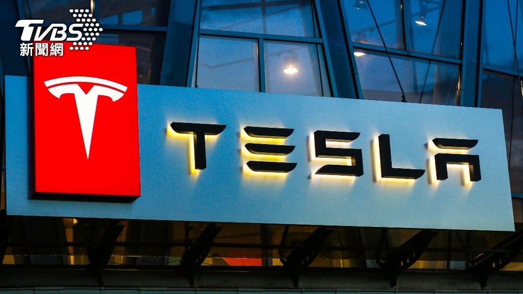 特斯拉因系統問題將召回大陸部分進口和國產電動汽車。(示意圖/shutterstock達志影像) 巡航系統問題 特斯拉召回陸逾28萬輛電動汽車