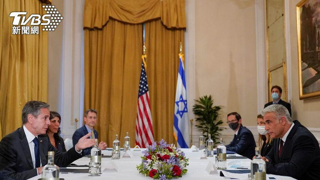 布林肯(左)與拉皮德(右)在羅馬進行會談。(圖/達志影像路透社) 以色列新任外長會見美國務卿 穩固雙邊新政府關係