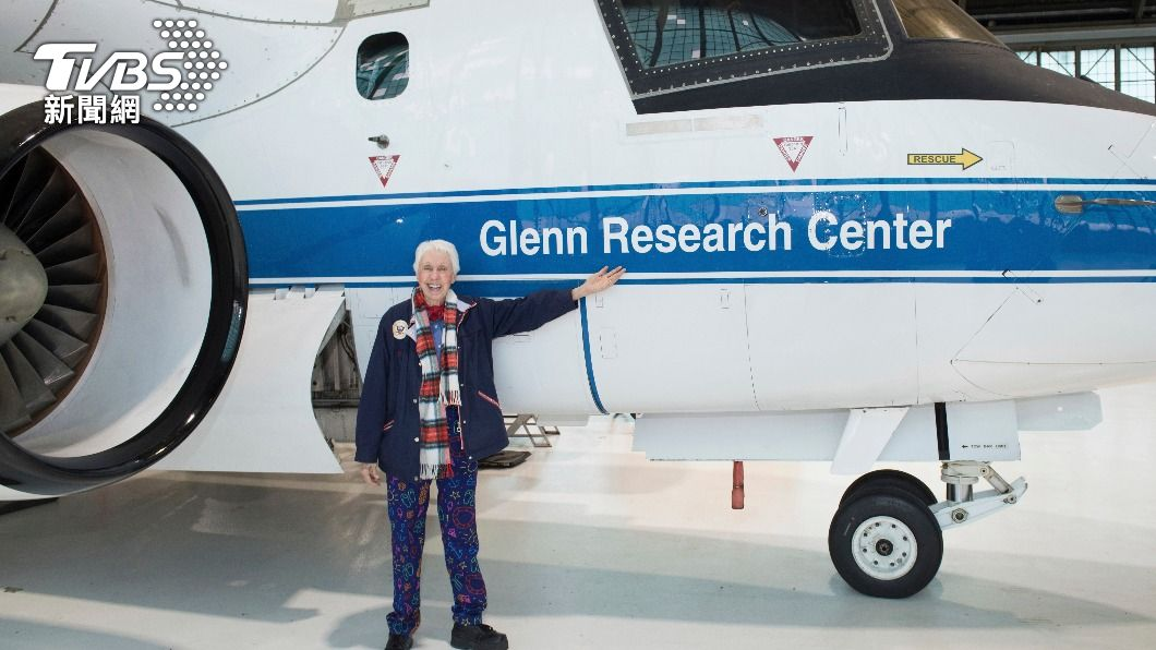馮克將參與藍源的太空飛行。(圖/達志影像美聯社) 美國82歲前飛行員圓夢 將與貝佐斯一起上太空