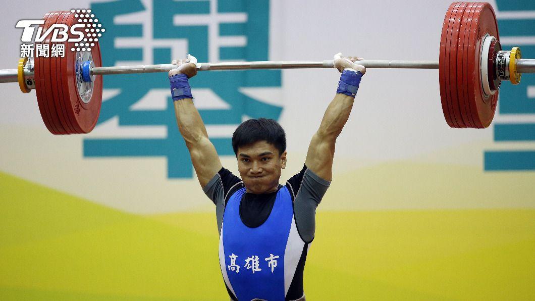 台灣男子61公斤量級好手高展宏獲得東京奧運參賽資格。(圖/中央社) 舉重項目門票再+2! 高展宏、陳柏任挺進東奧